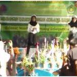 Dance dougie murid kelas 8 MTs Jauharotun Naqiyah remix lagu dark horse, i am dat dude, dessert